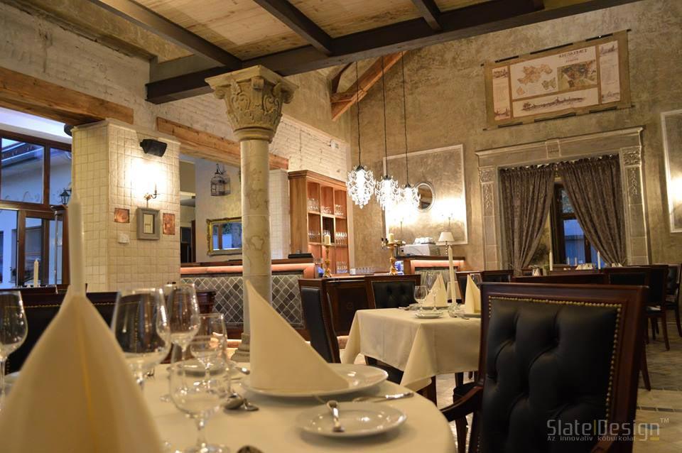 48 Étterem - kőoszlop, kőburkolat