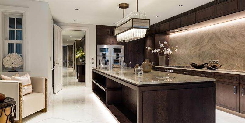 kő falburkolat konyhába