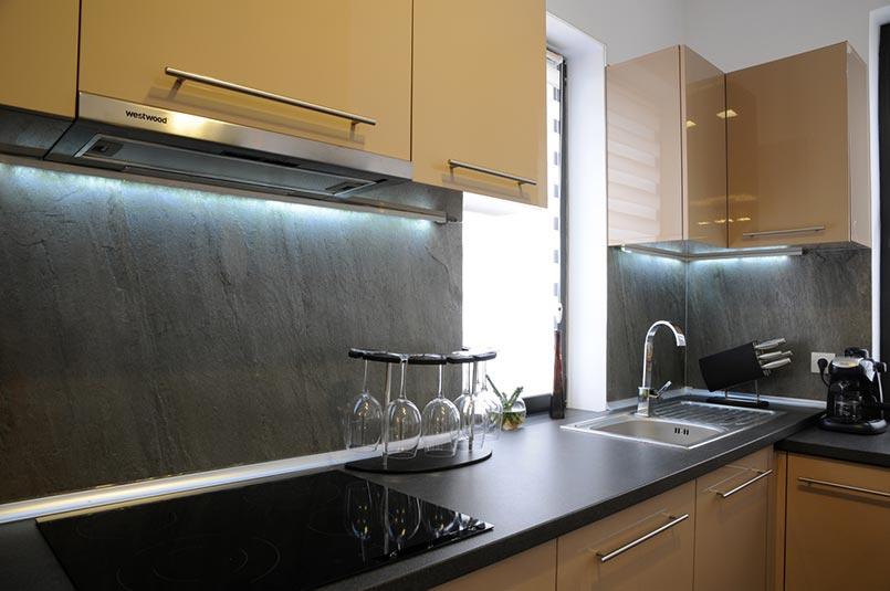 kőfurnér burkolat konyhába