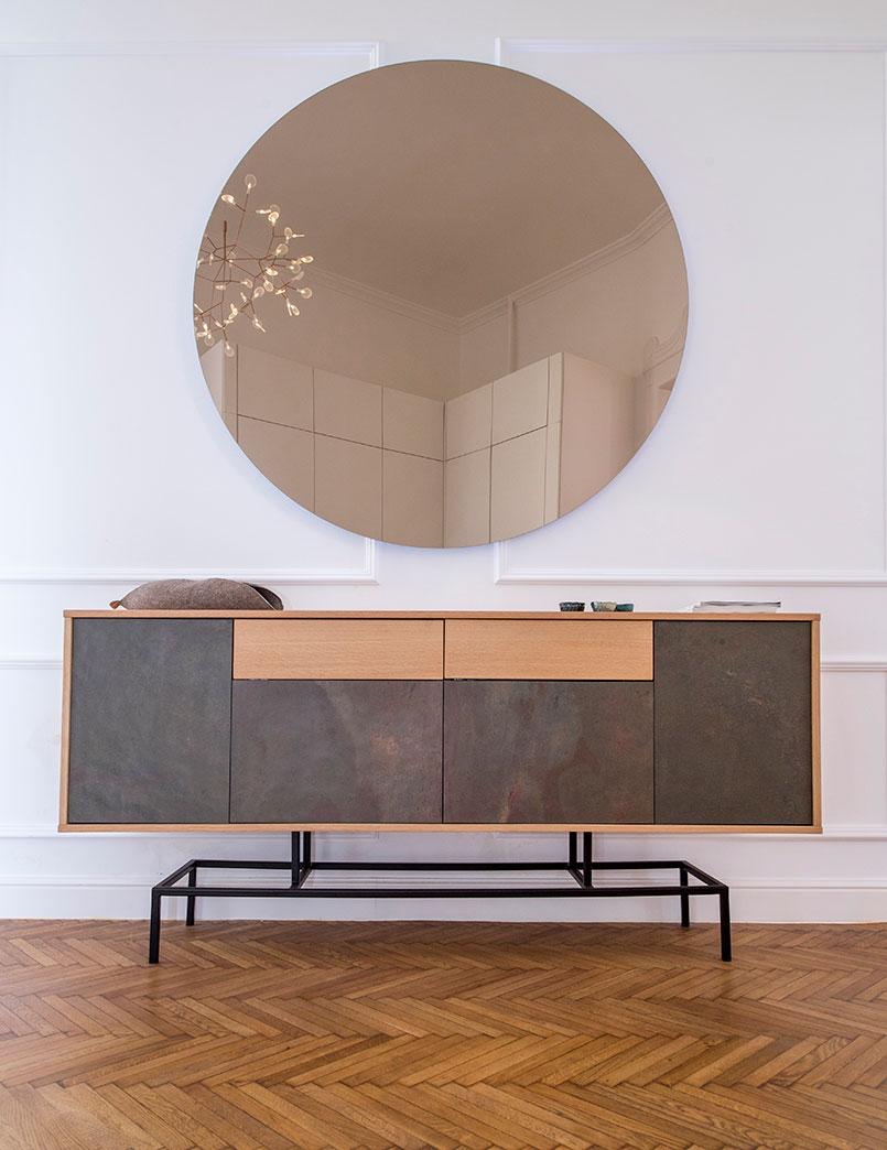 Black csillámpala kőfurnérral borított bútor